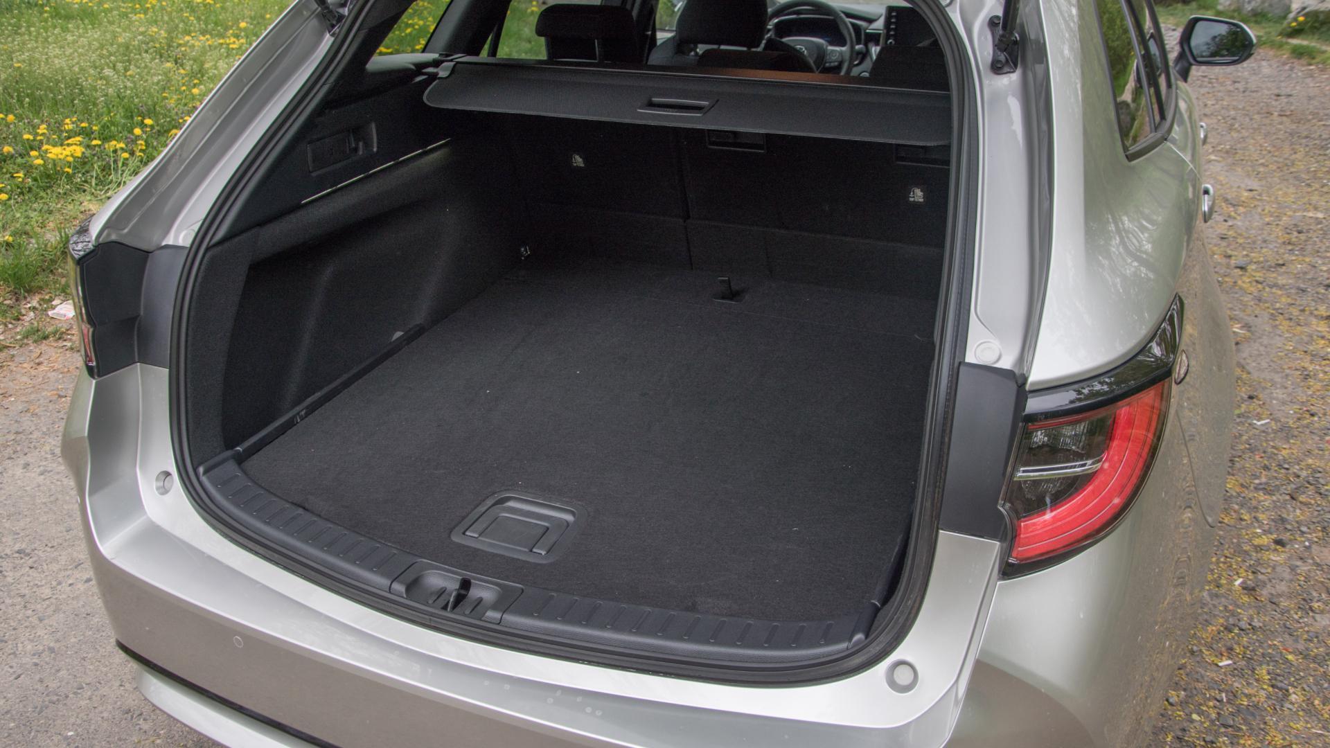 Zavazadlový prostor Toyoty Corolly Touring Sports